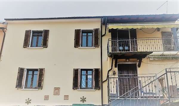 Villetta bifamiliare for sale in Massa