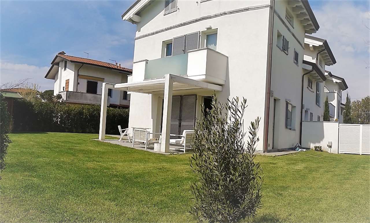 Terraced house for sale in Montignoso (MS)