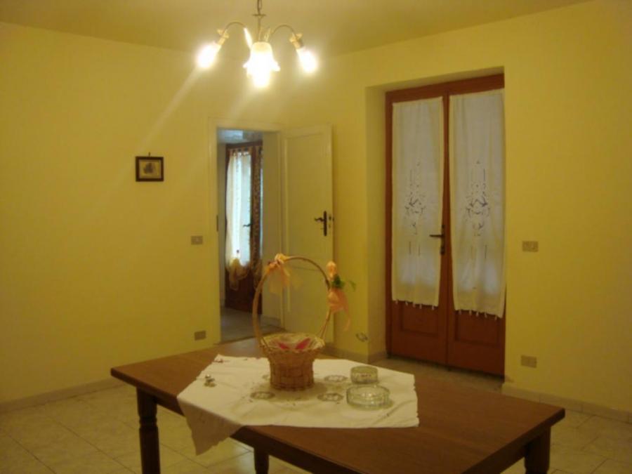 Soluzione Indipendente in vendita a Larciano, 4 locali, prezzo € 125.000   CambioCasa.it