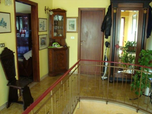 Soluzione Indipendente in vendita a Lamporecchio, 10 locali, prezzo € 350.000 | CambioCasa.it