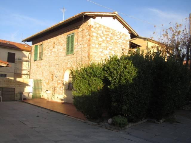 Rustico / Casale in vendita a Pisa, 6 locali, prezzo € 340.000 | CambioCasa.it