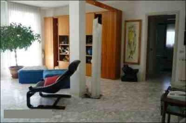 Attico / Mansarda in vendita a Carrara, 7 locali, prezzo € 530.000 | Cambio Casa.it