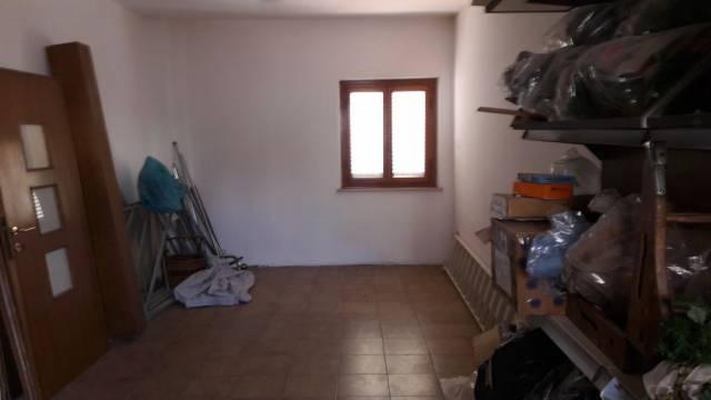 Foto 4/5 per rif. NEGOZIO CAPA 1400