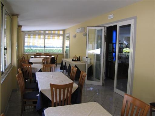 Albergo in vendita a Pietrasanta, 32 locali, prezzo € 10.000.000 | CambioCasa.it