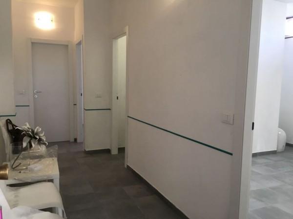 Negozio / Locale in vendita a Carrara, 2 locali, prezzo € 80.000 | CambioCasa.it