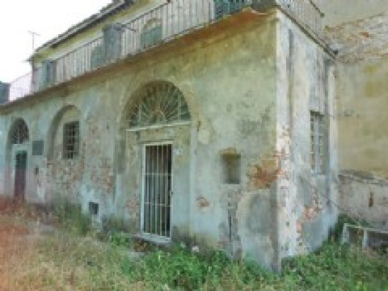Rustico / Casale in vendita a Vecchiano, 14 locali, prezzo € 550.000 | CambioCasa.it