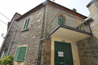 Locale comm.le/Fondo in vendita a Marliana