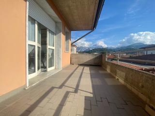 Ufficio in vendita a Carrara