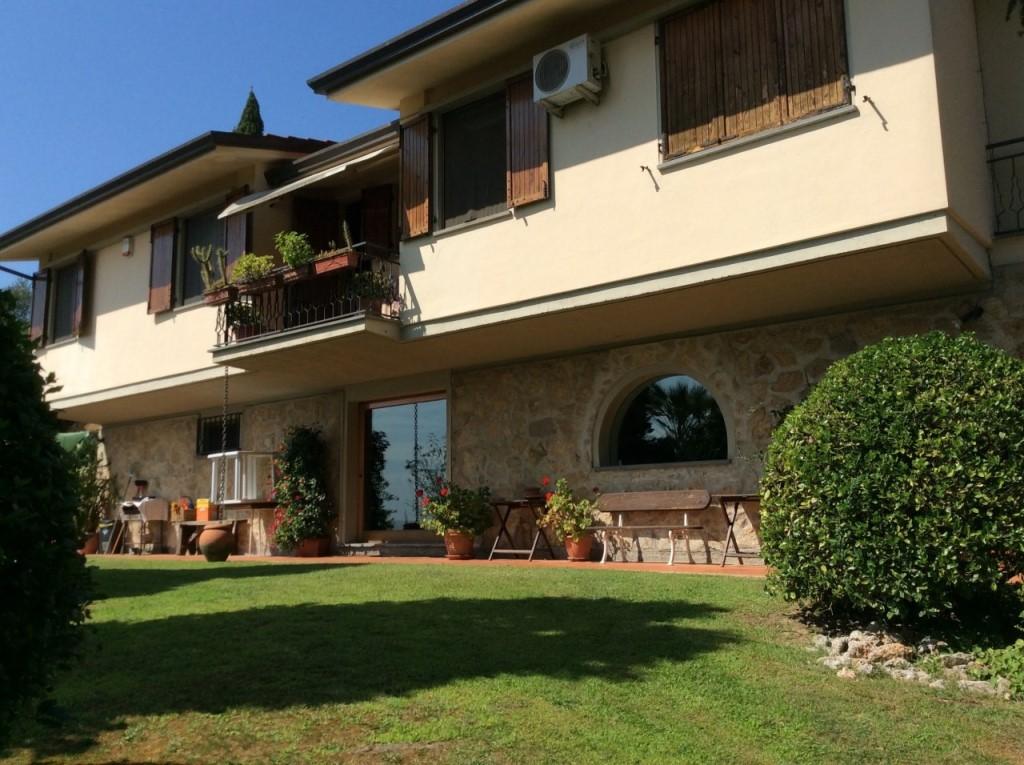 Villa singola a Massarosa (1/5)