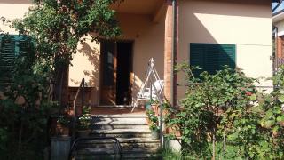 Villa singola a Monsummano Terme (1/5)