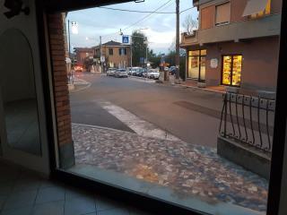 Locale comm.le/Fondo a Massa (5/5)