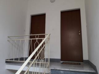 Foto 2/12 per rif. 3 vani in porta a lucca k i inn
