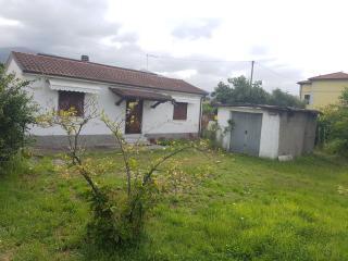 Casa singola a Massa