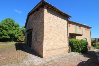 Colonica a Siena