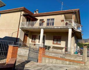 Casa semindipendente a Castelnuovo Magra (1/5)