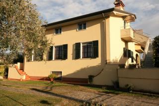 Villa singola a Luni (3/5)