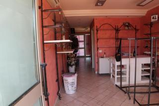 Locale comm.le/Fondo a Larciano (3/5)