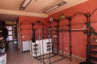 Locale comm.le/Fondo a Larciano (1/5)