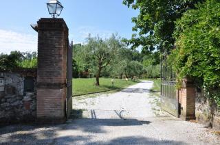 Villa singola a Montignoso (2/5)