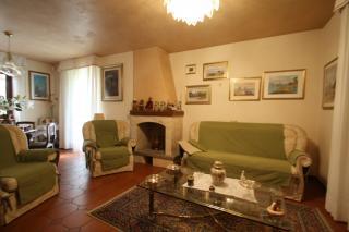 Villetta bifamiliare a Lucca (3/5)