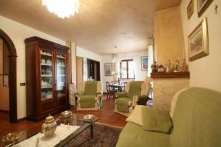 Villetta bifamiliare a Lucca (1/5)