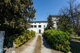 Historical building on sale to San Giuliano Terme (5/81)