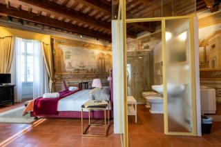 Historical building on sale to Pisa (8/58)