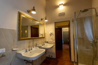 Historical building on sale to Pisa (39/58)