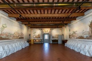Historical building on sale to Pisa (2/58)