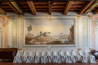 Historical building on sale to Pisa (9/58)