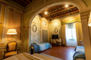 Historical building on sale to Pisa (34/58)