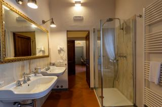 Historical building on sale to Pisa (40/58)