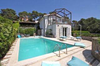 Foto 35/50 per rif. Villa con piscina