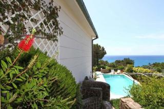 Foto 50/50 per rif. Villa con piscina