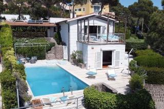 Foto 2/50 per rif. Villa con piscina