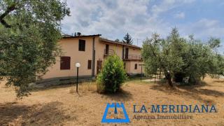 Casale in vendita a Lamporecchio