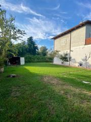 Villa singola a Massa