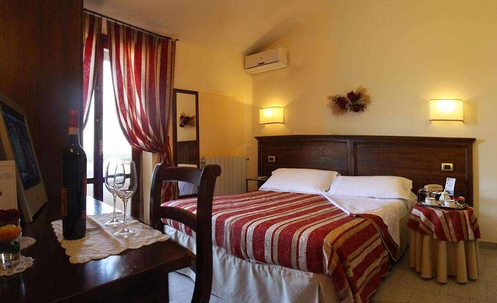 Albergo/Hotel a San Gimignano (4/5)