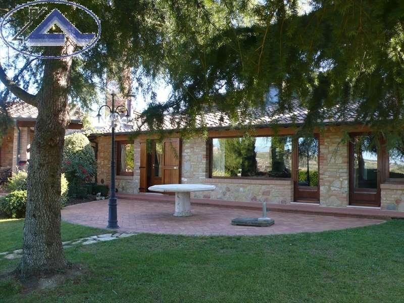 Villa singola a Casole d'Elsa (1/5)