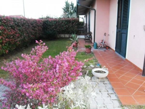 Villa singola a Porcari (2/5)