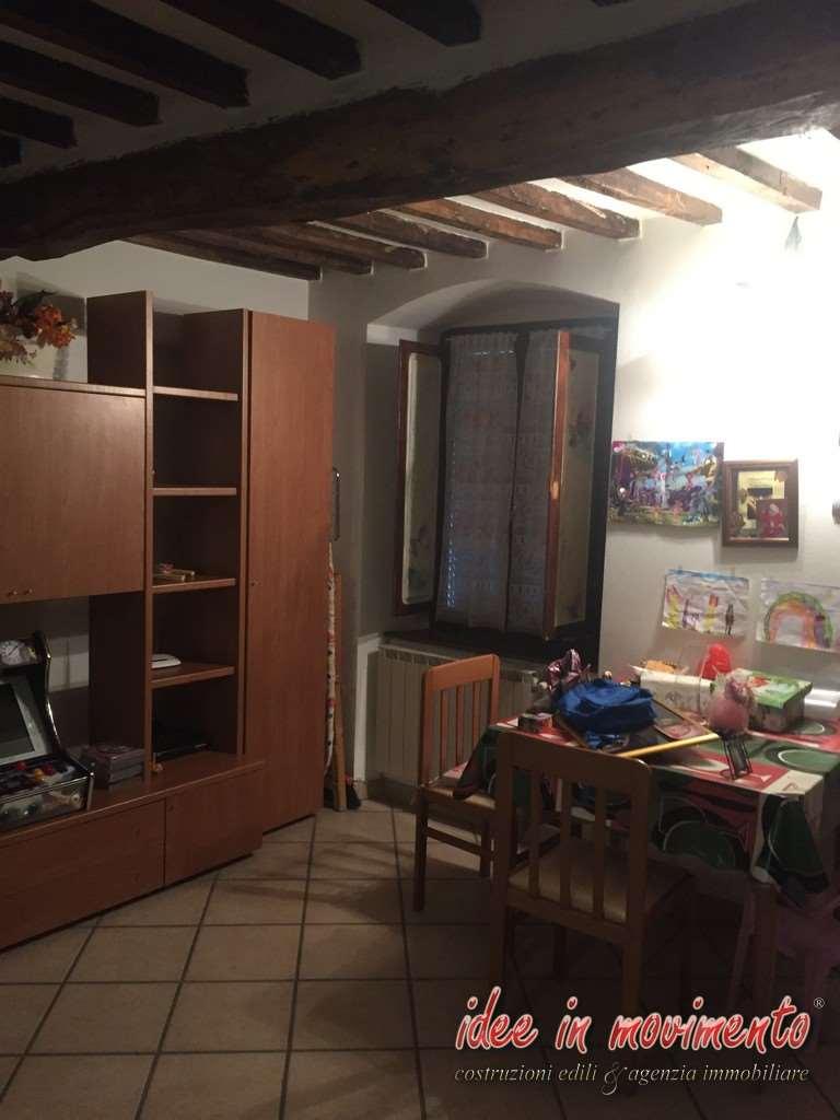 Idee in movimento appartamento in vendita a canevara massa for Idee piano appartamento