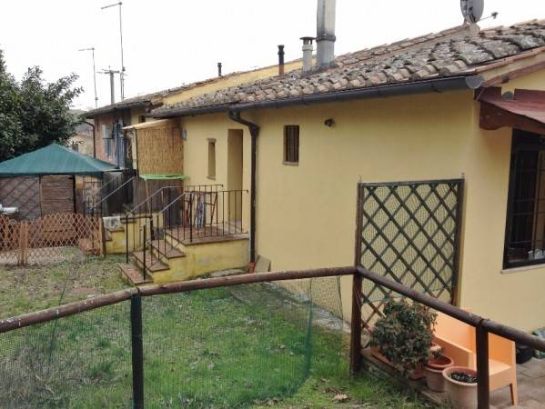 Appartamento, RUFFOLO, Vendita - Siena (Siena)