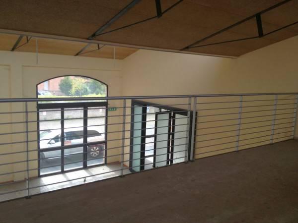 Locale comm.le/Fondo in affitto commerciale, rif. C/20