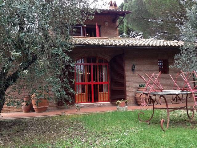 Villa for sale in Siena