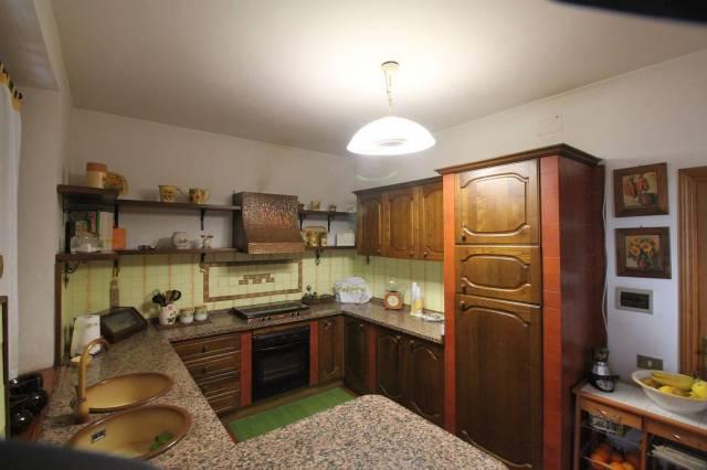 Appartamento in vendita, rif. R/400