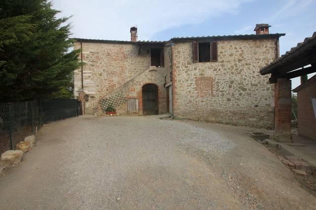 Rustico for sale in Asciano (SI)