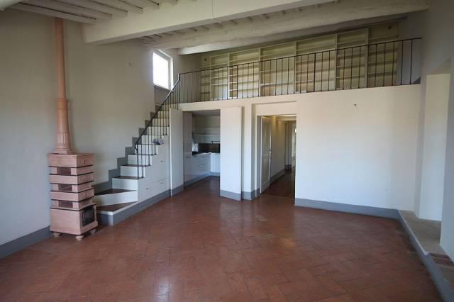 Appartamento in affitto, rif. R/255