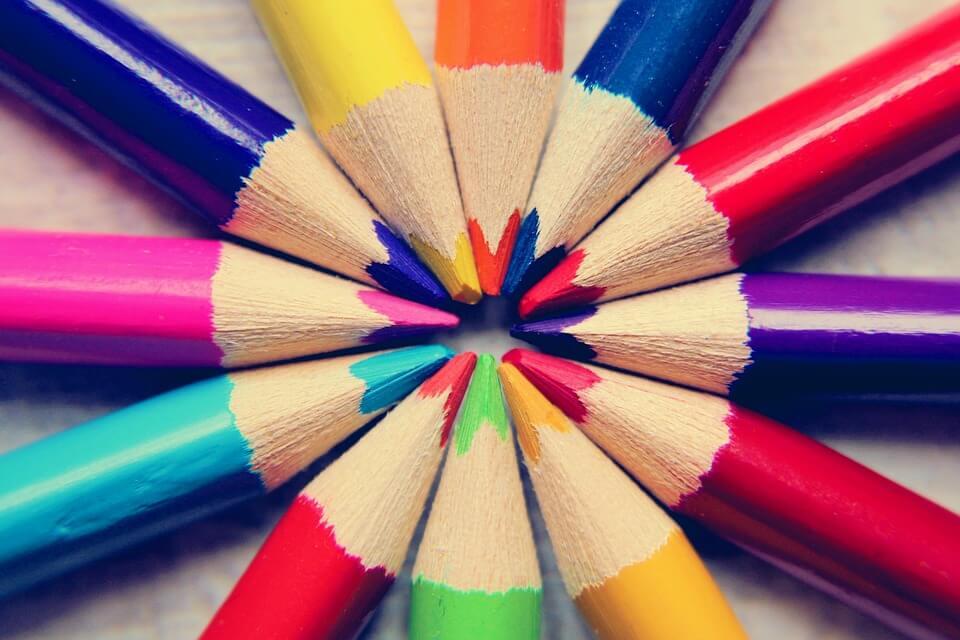 Arredare e dipingere casa: i 5 colori più adatti secondo il Feng Shui.
