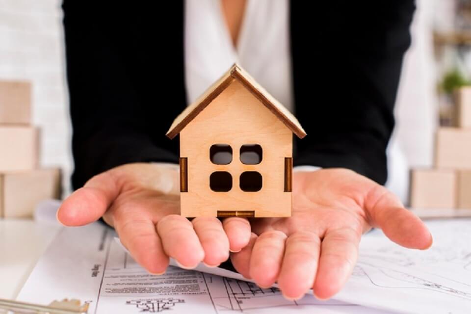 Vendere casa con agenzia immobiliare: perché dare l'incarico in esclusiva?