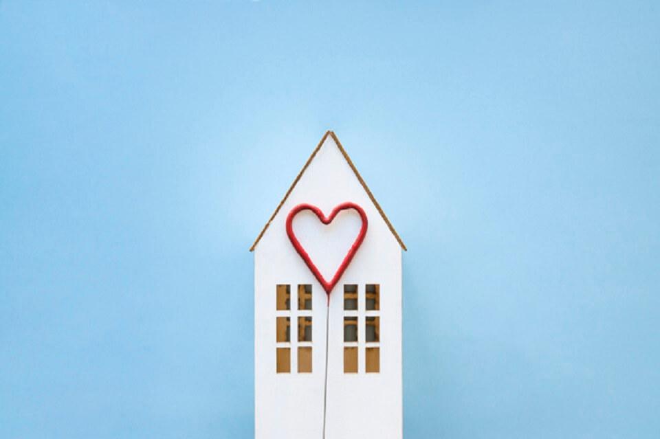 """La prima casa è come il primo amore: 5 motivi per cui """"non si scorda mai""""."""
